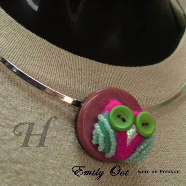 Emily Oot, the felt owl pendant