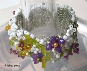wire-crochet-bracelet-finished