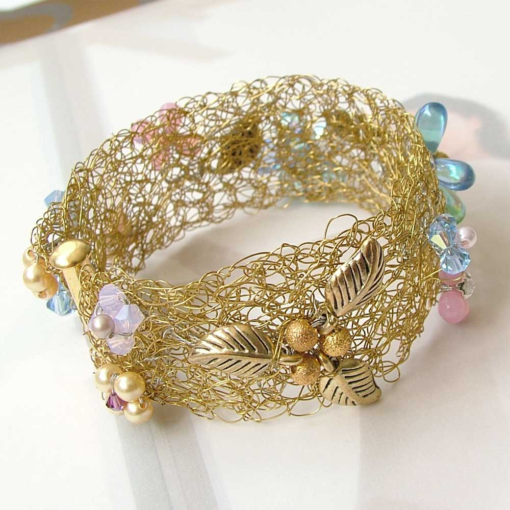 Wire Crochet Bracelet - Wired To Go ・ClearlyHelena