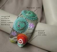felted cabs bangle - details