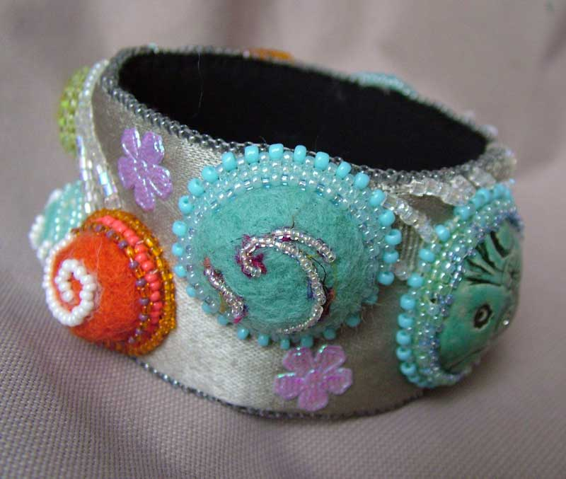 Felted Cabs In Peruzian Bangle ・clearlyhelena