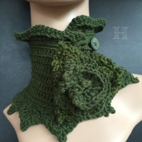 crochet neckwarmer - alternate flower