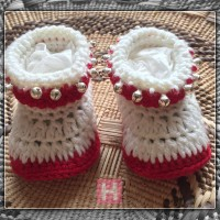 baby-booties-redwhite-ch0379-00premmie-shoes-redwhite-ch0379-000
