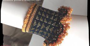 Repeating Geometrics cuff – beaded picture crochet