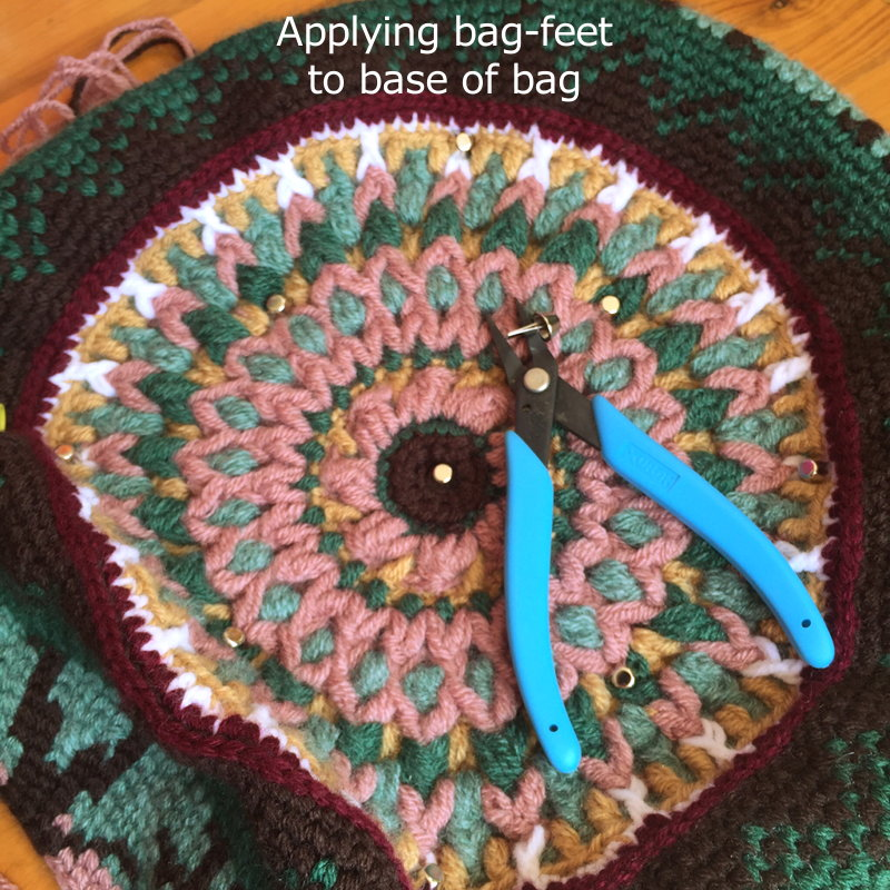 Tapestry Crochet Bags - how to ?ClearlyHelena