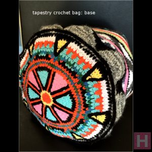 ghhorizontal tapestry crochet bag 011