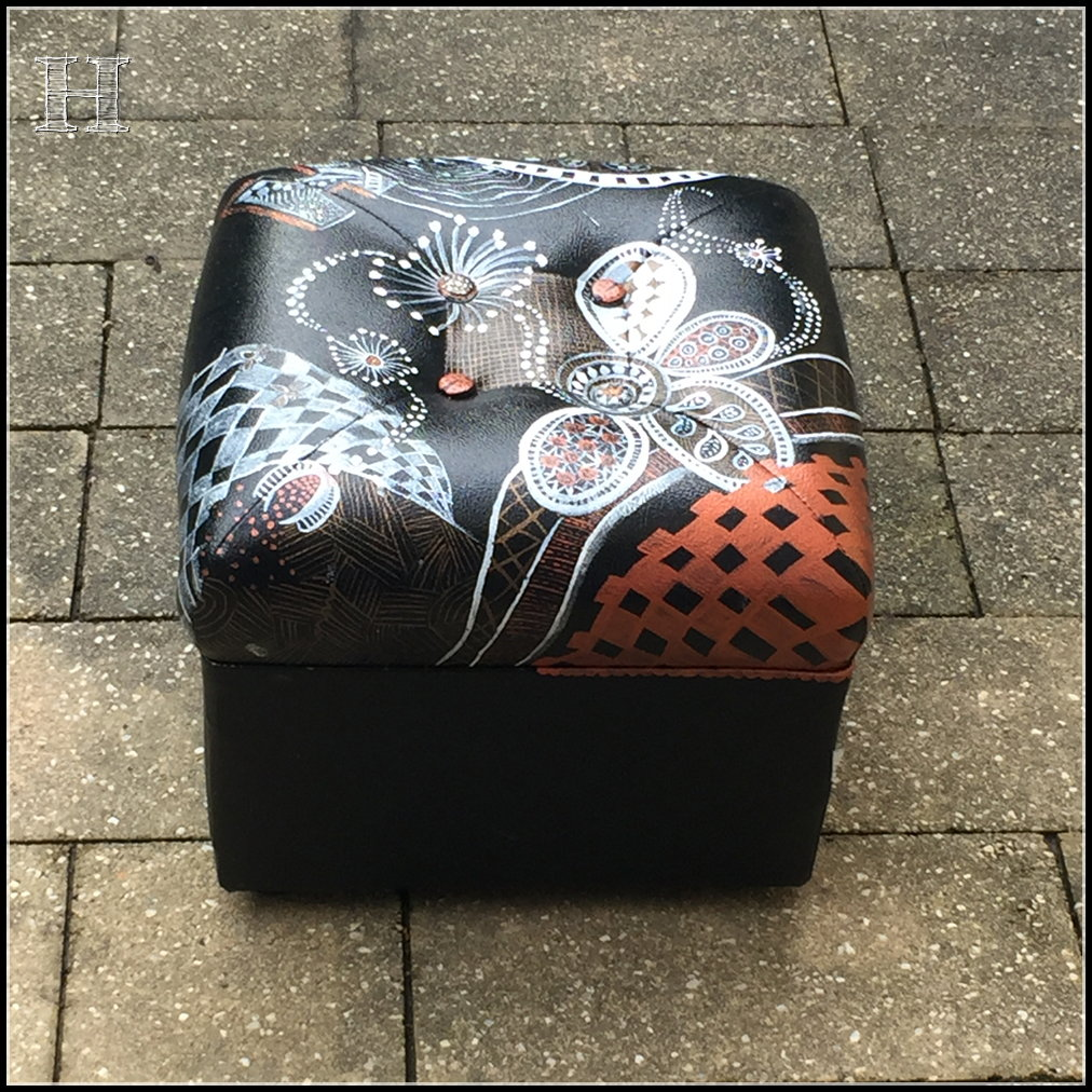 zentangle footstool 06