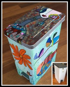 Art Bin - transforming a plastic bin (CH0478)
