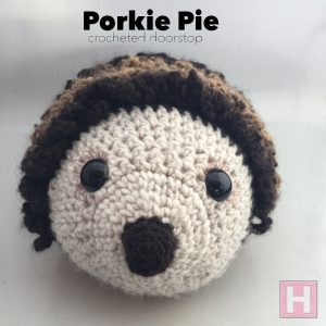 Porkie Pie Doorstop - Amigurumi Crochet (CH0480)