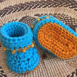 Handmade Baby Booties (CH0377)