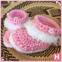 Crochet Pink Fluffy Baby Boots (CH0387)