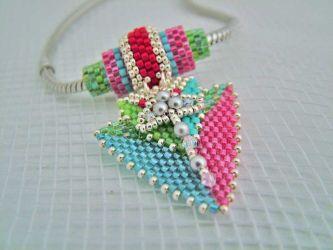 Bright Retro Triangle necklace (CH0191 - N/A)
