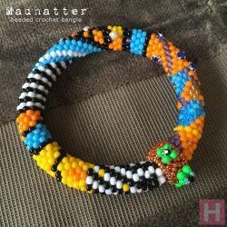 Madhatter beaded crochet bangle - CH0406