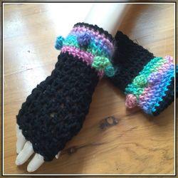 Silken Baubles fingerless crochet gloves (CH0397M)